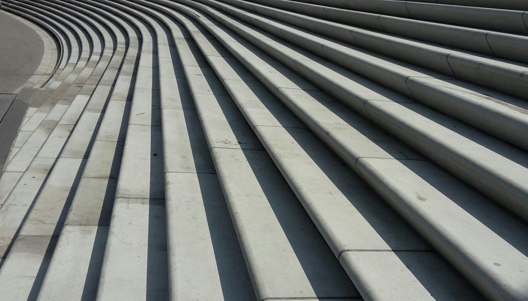 https://pixabay.com/de/photos/treppe-stufen-treppenstufen-1667235/
